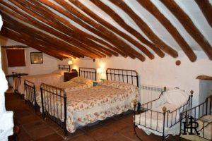 Buhardilla-Cortijo-El-Mohedano-8-1140x758.jpg
