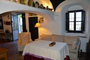 Salones-y-Cocinas-Cortijo-El-Mohedano-12-1140x758.jpg