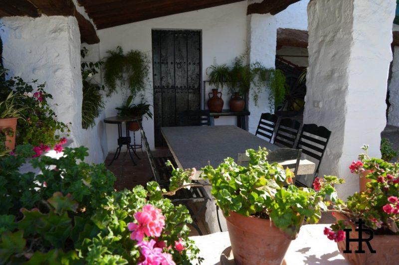Patios-Cortijo-El-Mohedano-3-1140x758.jpg